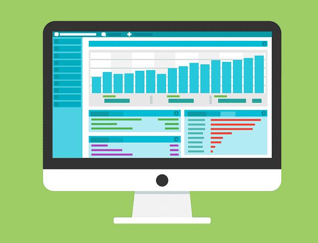 display con dashboard di metriche e dati
